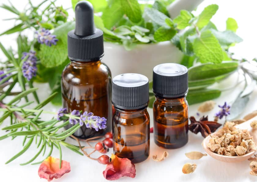 Diffusing Essential Oils for a Peaceful Holiday Season